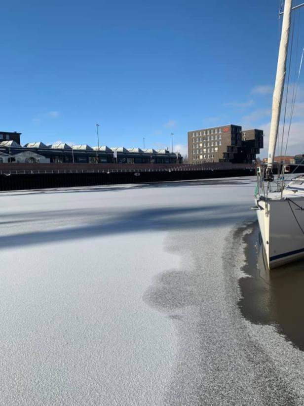 Sailing on Ice