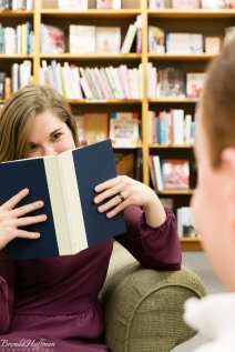 Book-store-engagement-photo-session (8)