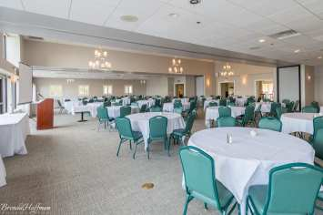Muskegon-Country-Club-Grand-Haven-Wedding-Photographer-017-ForSharing
