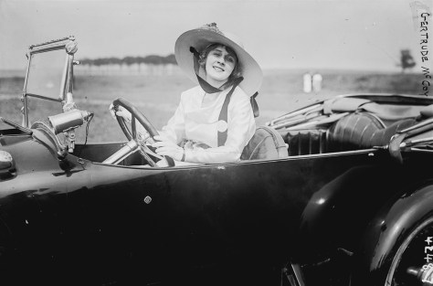 old time car woman driving