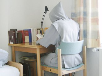 Trappist monk, reading. Daniel Tibi's photo, used w/o permission. (2007)