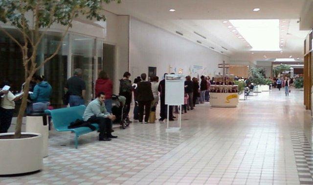 Galveston County Health Department's H1N1/Swine Flu vaccine distribution in Texas City. (October 30, 2009)