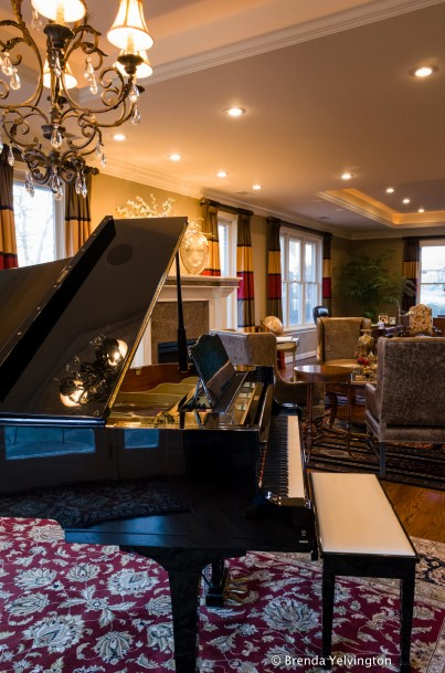 piano and music-0030402