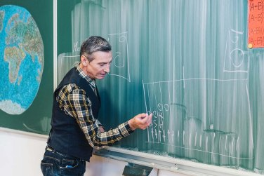 Massimo drži predavanje u gimnaziji EPOHA