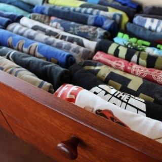 Make an Easy DIY T-Shirt Folding Device from a Cardboard Box