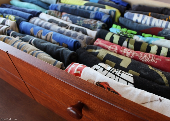 Make your own cardboard t-shirt folding device and learn the best way to fold a t-shirt so your drawers can hold more clothes and you can easily find your favorite tee. Great for kids to help with laundry.