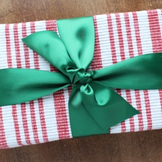 8 Beautiful Eco-Friendly Gift Wrapping Ideas