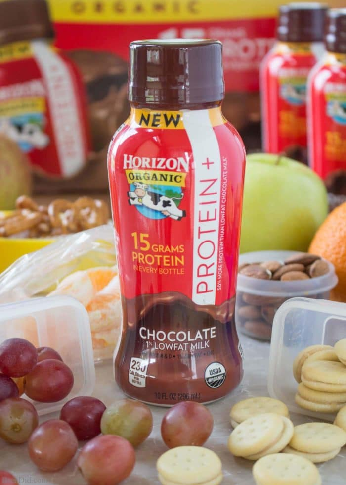 It takes nutritious foods to fuel kids for sports. Skip the protein bars and sports drinks and select the best snacks for boosting energy. Healthy team snacks for kids. Sports snacks for kids. Free printable sport snack labels. #HorizonLunch #ad