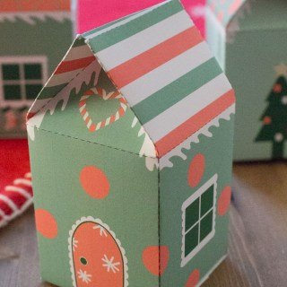 Free Printable Treat Boxes for Christmas: Paper Elf Houses