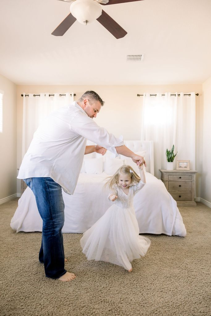 Kinzly dancing with her daddy | Brenna Heater Photography