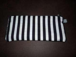 Mäppchen - Sonnenbrillenetui - Kosmetiktasche 3 schwarz weiß gestreift