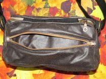 Brennender Schuh - Reißverschlussfach Rückseite braune Fototasche