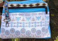 BrennenderSchuh Innenseite mit Reißverschlussfach aus Mesh, Netzstoff in Fransen-Handtasche im Leder-Reptilien-Indianer-Look mittlere Größe, braun-türkis, genäht