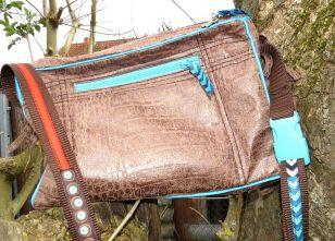 BrennenderSchuh Rückseite Reißverschluss-Fach für Smartphone, Kleinkram, Fransen-Handtasche im Leder-Reptilien-Indianer-Look mittlere Größe, braun-türkis