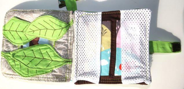 innenseite-stoffbuch-baby-versteckspiel-blaetter-und-fenster-mit-vorhang-aus-mesh-genaeht