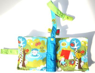 stoffbuch-baby-bunter-jersey-camping-abenteuer-genaeht-mit-abnehmbarem-befestigungsclip