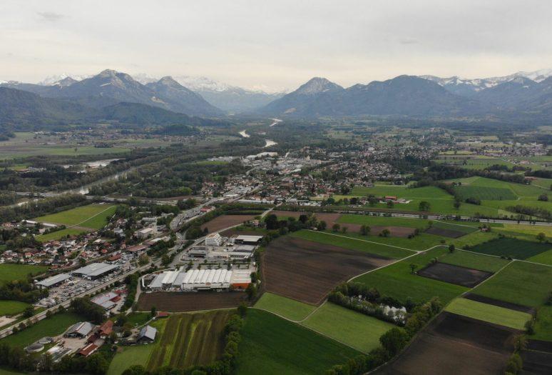 Im engen Inntal und dicht besiedeltem Rosenheimer Land gibt es keinen Raum für eine neue Bahntrasse ohne massive Zerstörung der letzten Natur- und Ackerflächen. Quelle: Brennerdialog