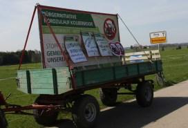 Die Bürgerinitiativen ziehen an einem Strang und ein Autokorso aus Kolbermoor fährt zu Unterstützung nach Ostermünchen. Quelle: Brennerdialog