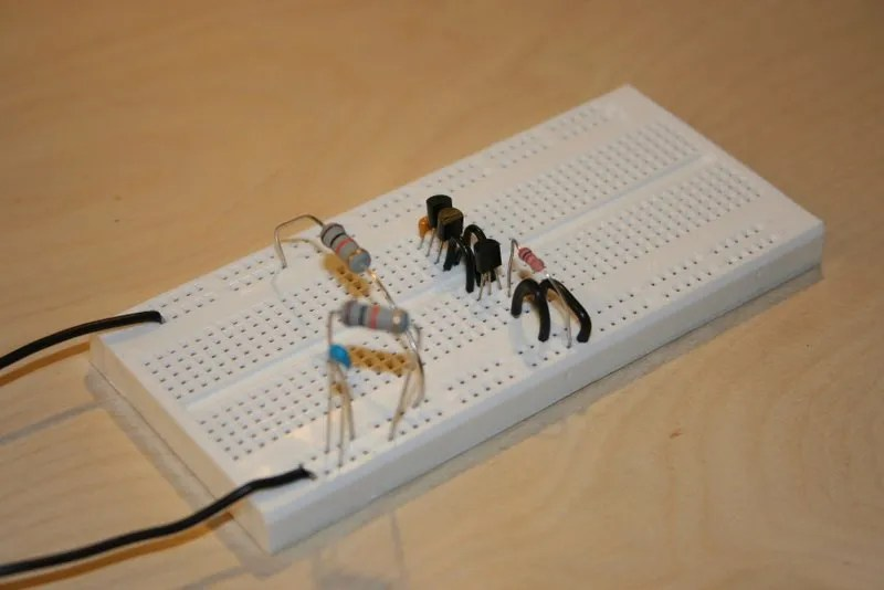 Oscillator on the breadboard