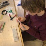 Jamison builds the current oscillator.