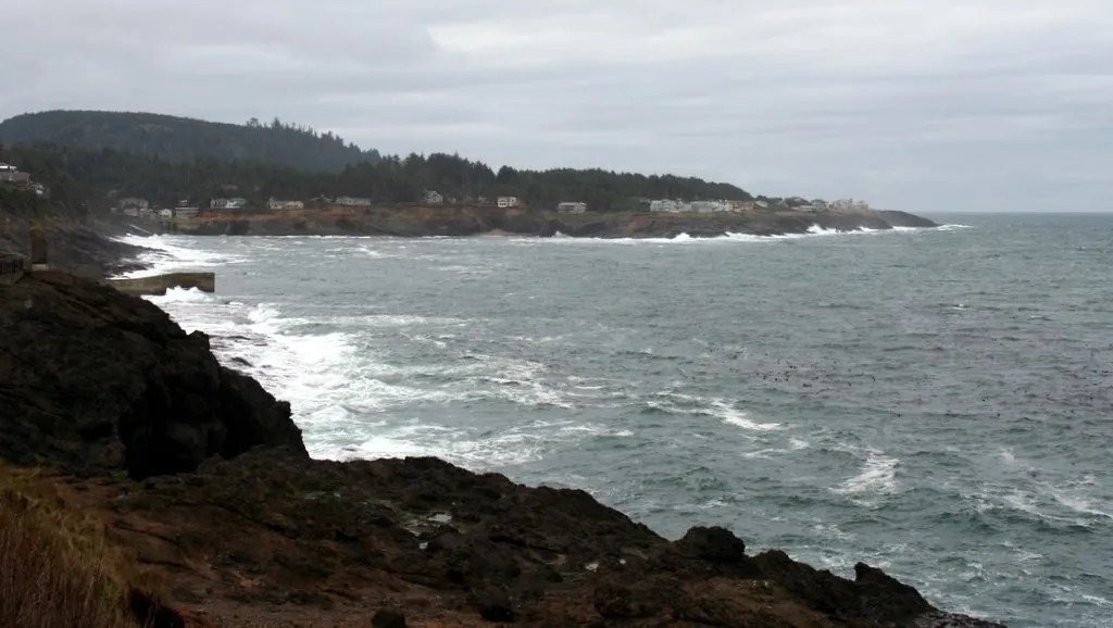 Depoe Bay, Looking South