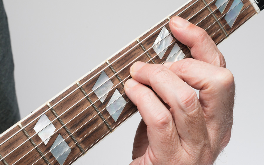 7 Tips for Playing Guitar Barre Chords