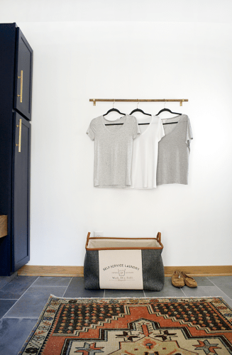 DIY Simple Clothes Rack