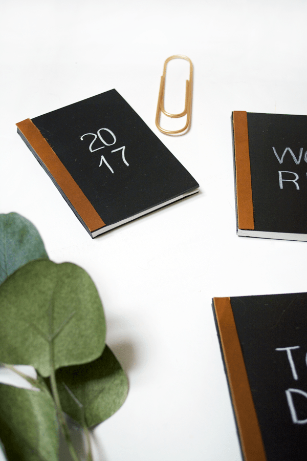DIY Mini Chalkboard Notebooks