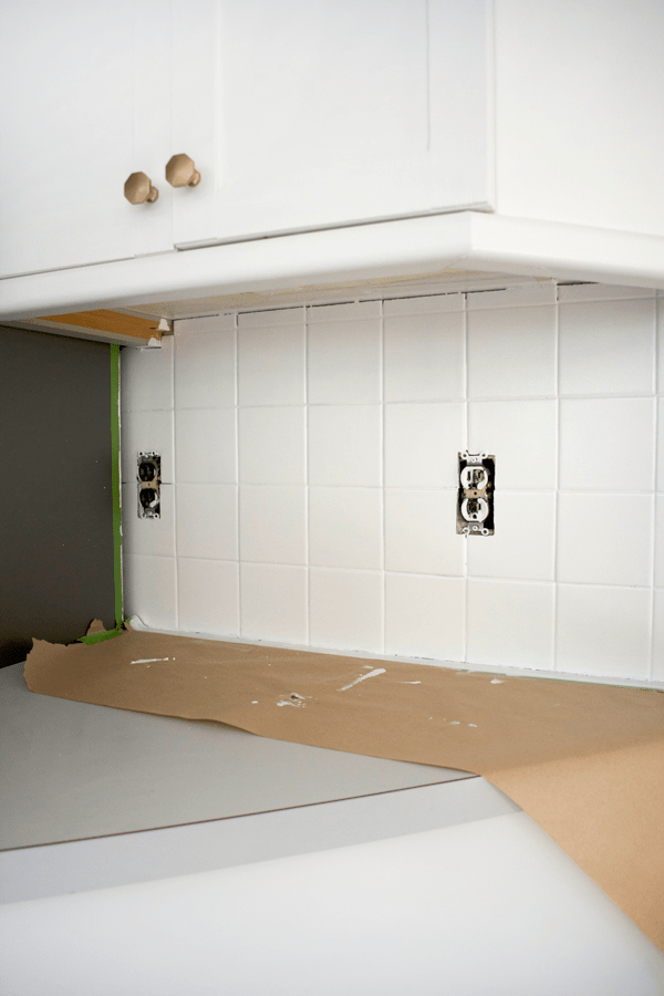 painting a tile backsplash white