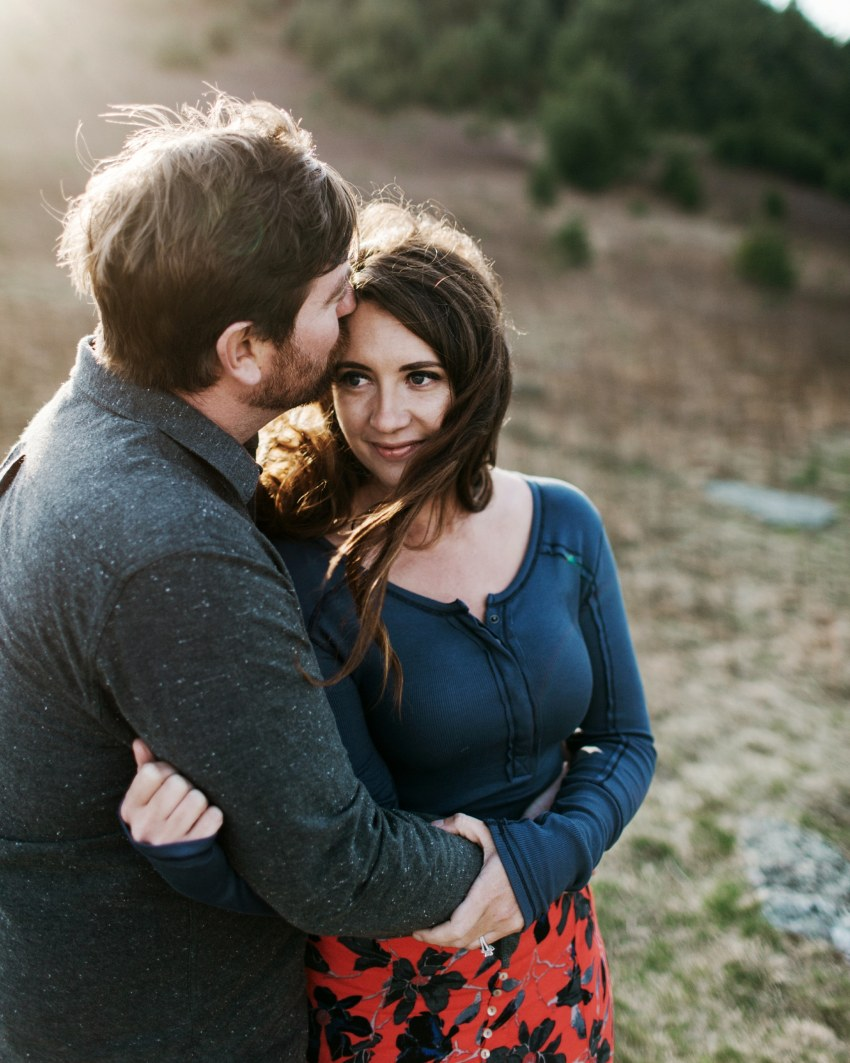 engagement photos blowing rock nc