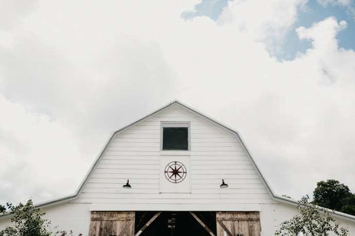 overlook barn beech mountain