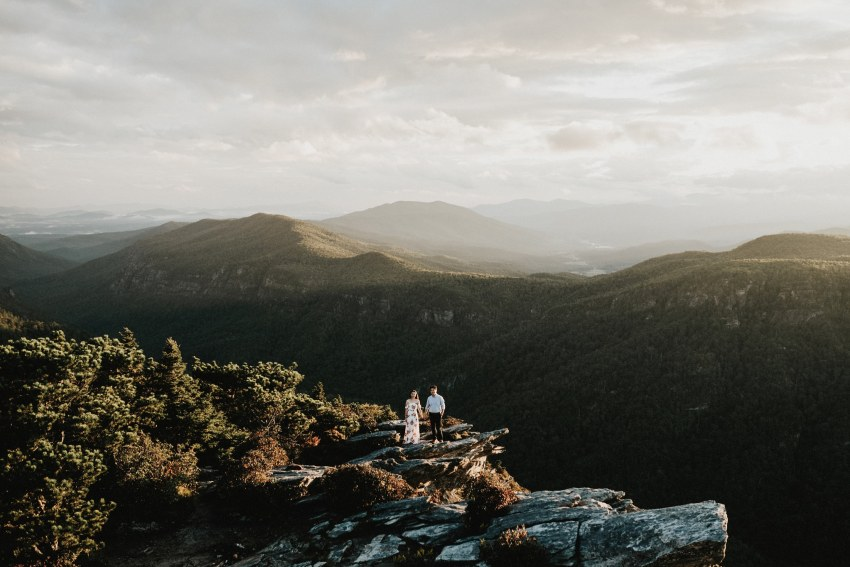 Brett & Jessica Photography | hawksbill mountain engagement photos