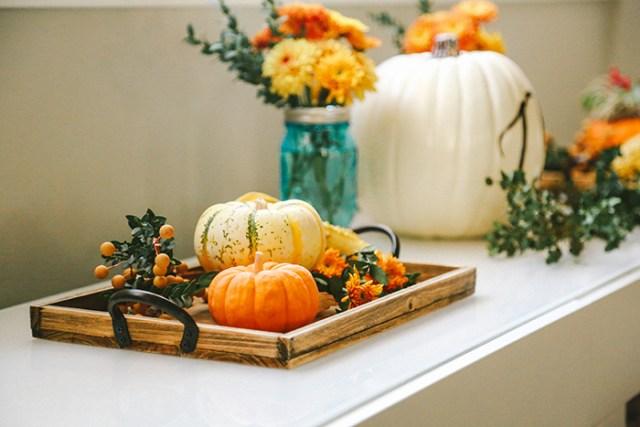 Fall centerpiece | brewedtogether.com