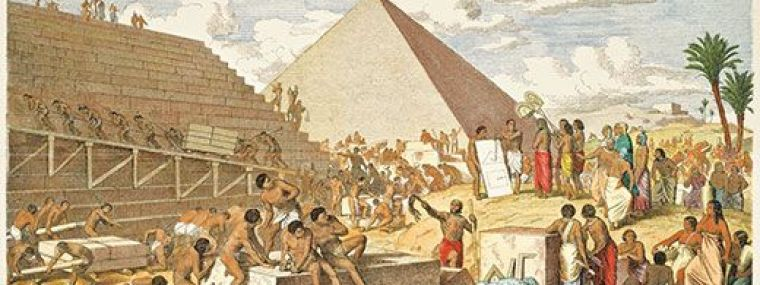 Image of people building the Egyptian pyramids.