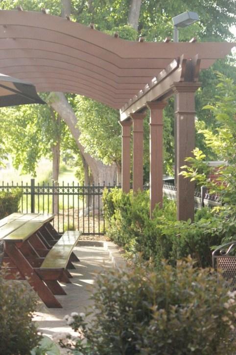 IMG_1418_arbor in summer biere garden_Brewery Becker outdoor patio