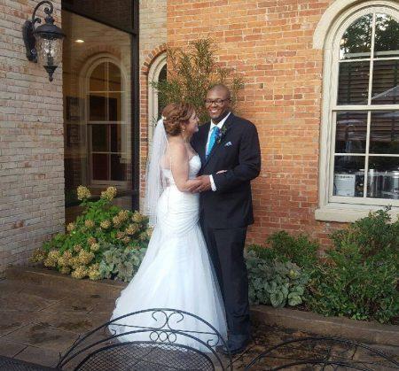 wedding_brighton-mi_downtown_venue_brewery-becker_outdoor-biergarten-patio_happy-couple