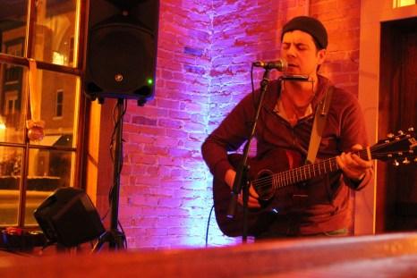 IMG_0359_open mic night_host Bobby Lee Magyarosi_Brewery Becker