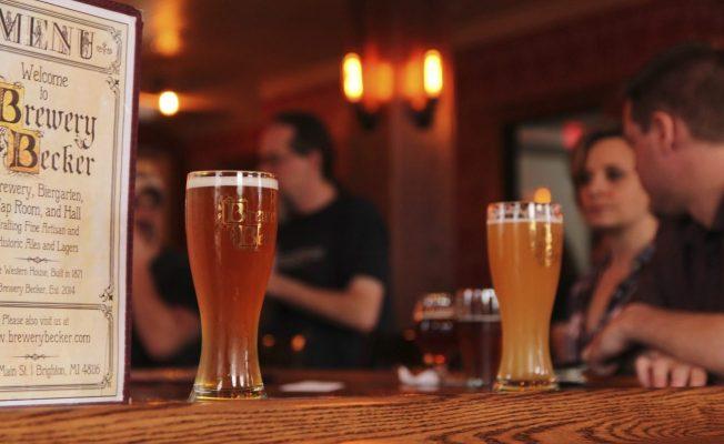 menu_Brewery Becker_draft craft beers on wood bar