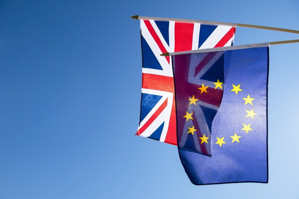 Do we want dominion status or independence from the EU?