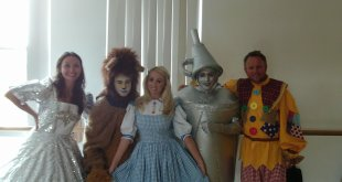 Daniel spoke to the cast of this years Sittingbourne Panto The Wizard of Oz on this week The Daniel Monday Night Community Show Chris Simmons DS / DC Mickey Webb The Bill as The Scarecrow Lucinda Rhodes or Lucinda Rhodes Flaherty. Harry and Cosh, Cavegirl, Dream Team, as Glinda the Good Witch