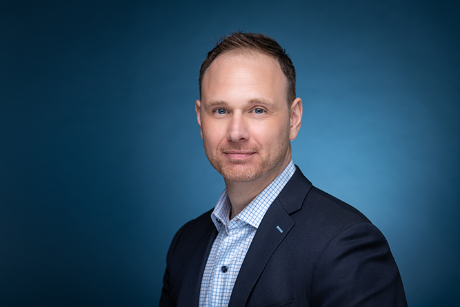 brian kuebler author journalist headshot