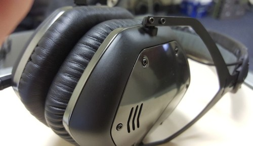 V-Moda LP2 Closeup