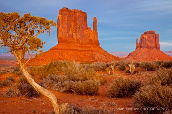 Mittens Monument Valley Navajo Triibal Park Arizona