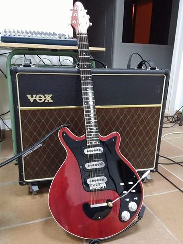 Adrian May Red Special Guitar
