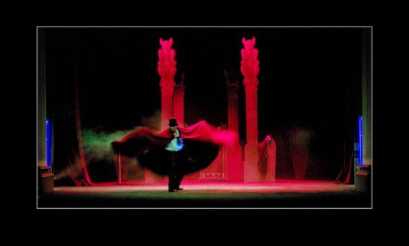 Teatru Manoel Ghost of De Vilhena Illusion Show Magician Mallta Brian Role