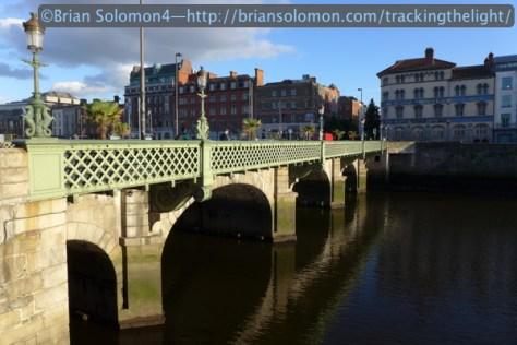 Essex_Bridge_P1080070