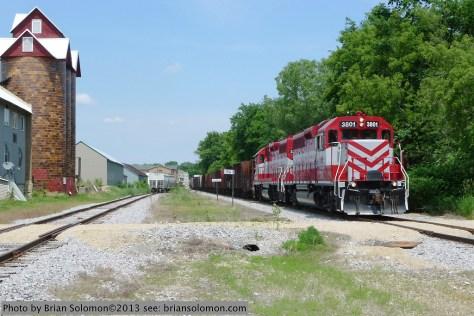 Wisconsin & Southern's westward freight L464 at Sun Prairie. Lumix LX-3.