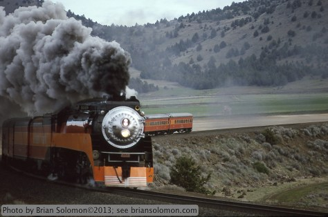 SP Daylight painted steam locomotive