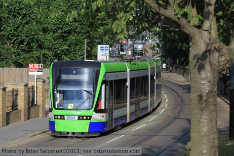 Tramlink_modern_Tram_closeview_IMG_0637