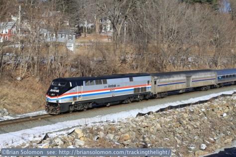 Amtrak_822_on_449_West_Warren_tight_view_IMG_4061